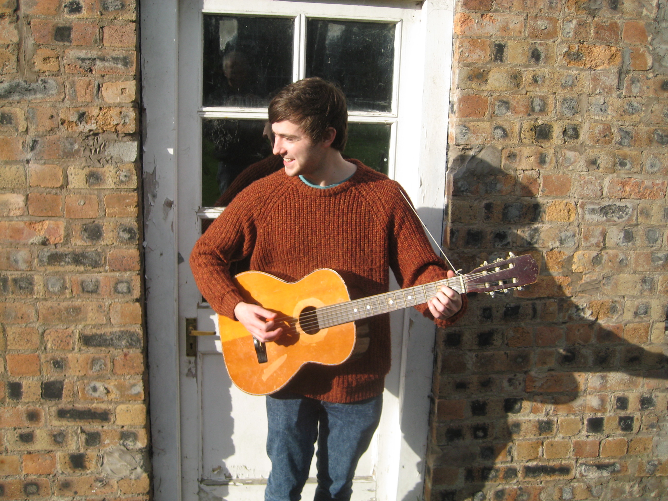 tom-cottage-guitar